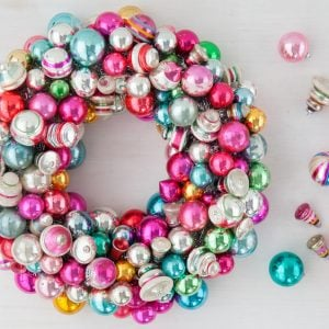 Christmas Decorating Ideas : How to Decorate with Ornaments