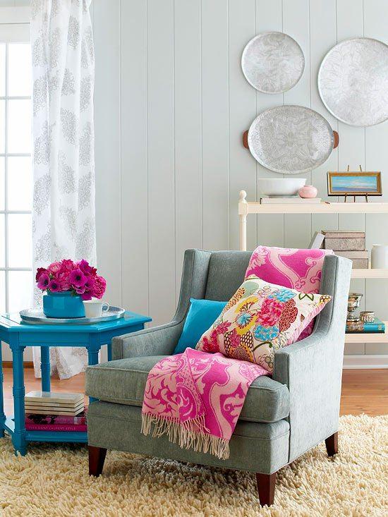 living-room-pops-of-pink-color