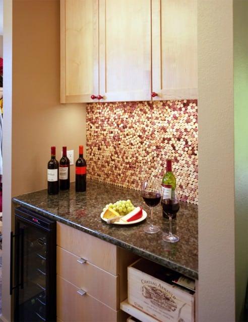 Wine cork back-splash