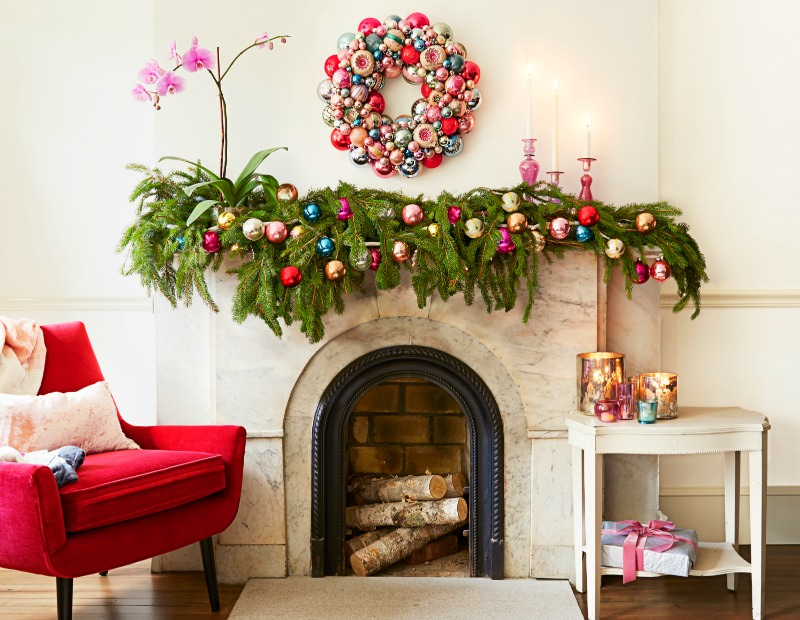 Diy christmas mantel decorating ideas the budget decorator tonya at love of family and home created this wonderful soft and fresh mantel with diy projects solutioingenieria Gallery
