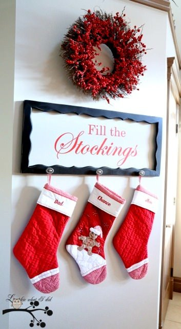 Diy christmas mantel decorating ideas the budget decorator share with us your creative ideas for diy christmas mantel decorating on a budget in the comments section belowmaybe you will inspire one of your fellow solutioingenieria Choice Image