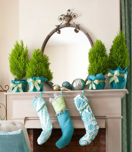 DIY holiday mantel