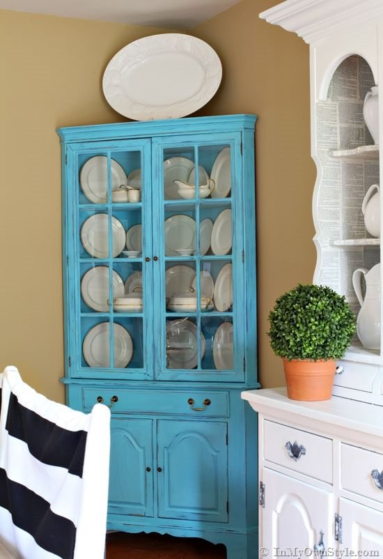 chalk paint furniture projects the budget decorator. Black Bedroom Furniture Sets. Home Design Ideas
