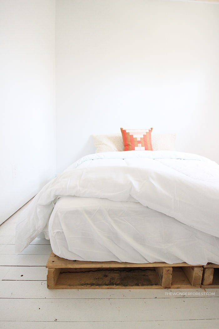 Amazing Now That You Have A Good Pallet Bed Tutorial, Here Are A Few Inspirational  Ideas On What You Can Do With Pallets And DIY Bed Frames! Photo By U0027Style  At ...