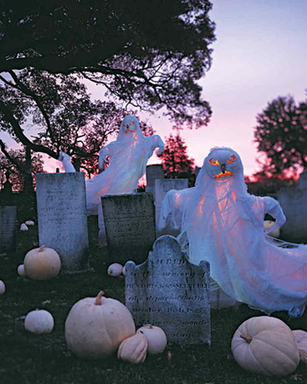 How To Make A DIY Halloween Graveyard! • The Budget Decorator