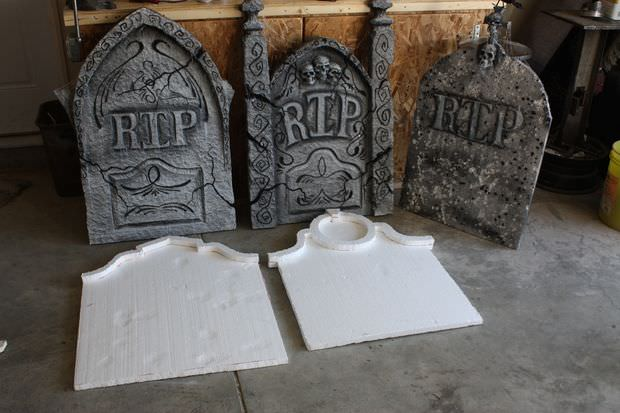 How To Make A Diy Halloween Graveyard The Budget Decorator