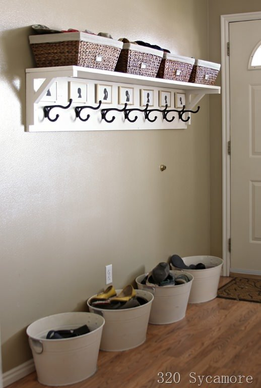 entryway organization[15]