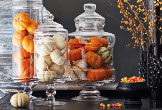 Easy and Inexpensive Fall Decorating Ideas- Mini Pumpkins in Vase