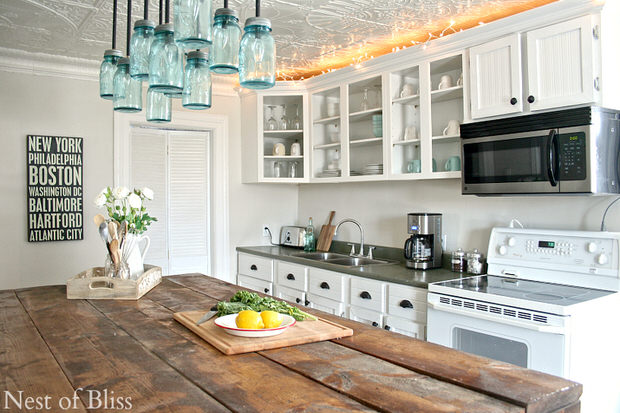 Drool worthy decor farmhouse kitchens the budget decorator for Farmhouse kitchen design pictures