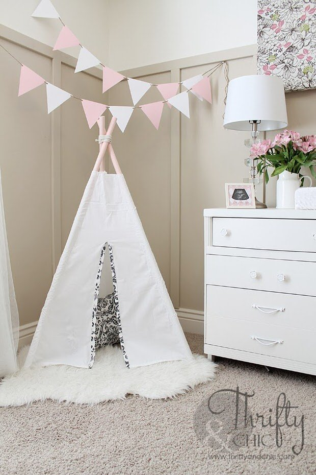 Diy Nursery Baby Room Decorating The Budget Decorator