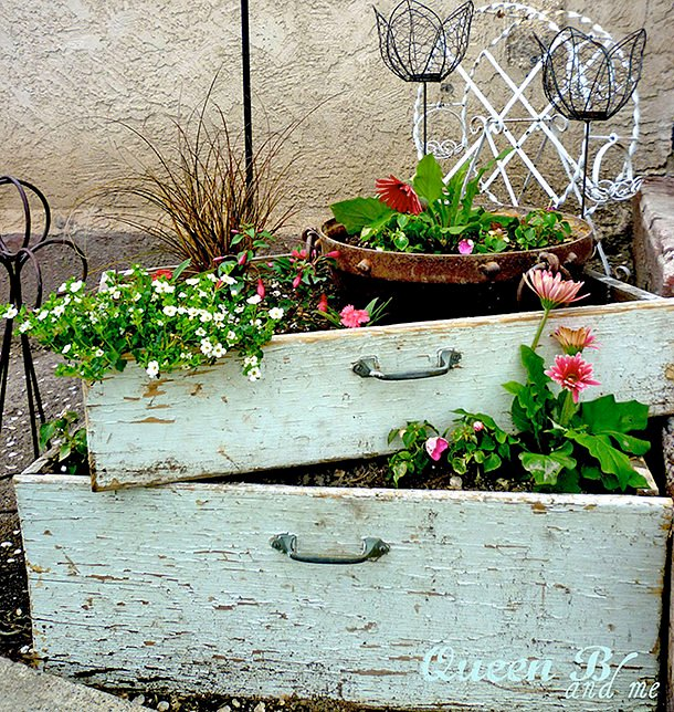 DIY repurposed Drawer Projects 33