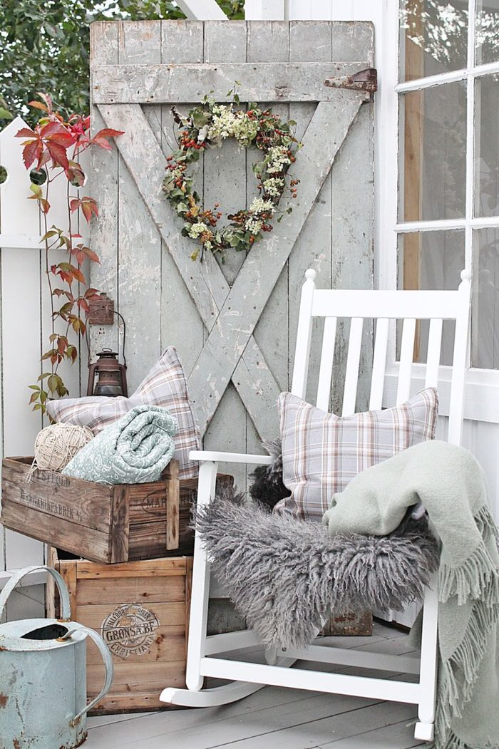 Fall front porch decorating ideas on a budget the Front veranda decorating ideas