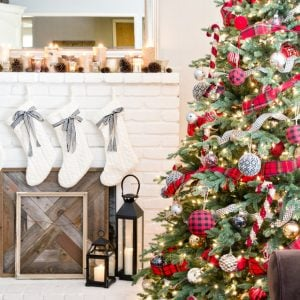 Traditional Christmas Tree Ideas, Decorations and Ornaments!