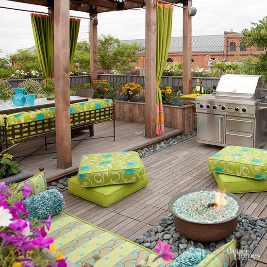 12 Great Ideas For A Modest Backyard: 12 DIY Backyard Ideas For Patios, Porches And Decks • The