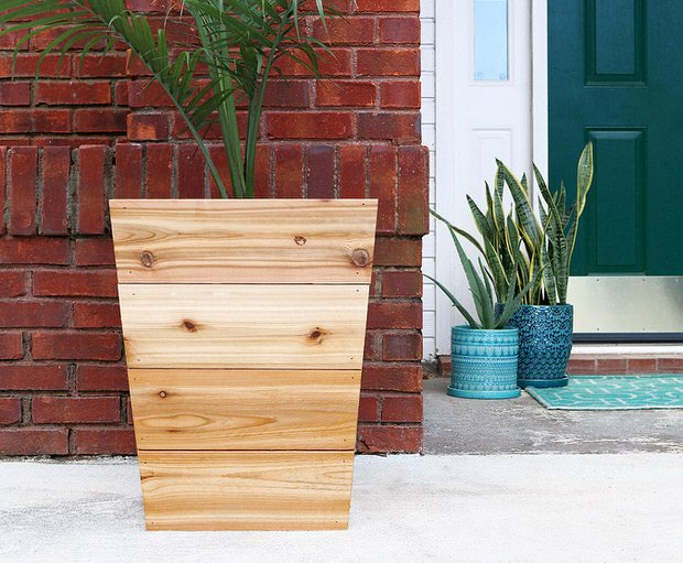 Budget Outdoor Planter Projects