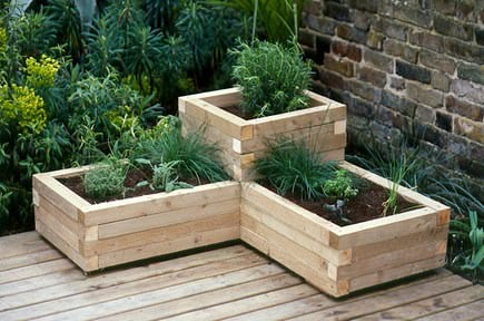 Budget outdoor planter projects the budget decorator budget outdoor planters 7 workwithnaturefo