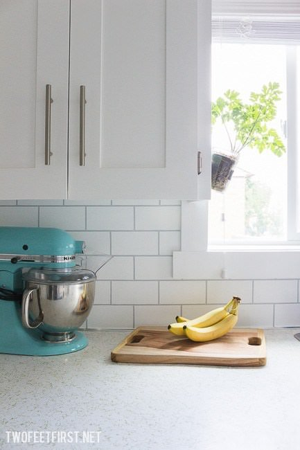 From U0027Two Feet Firstu0027, This DIY Cheap Kitchen Backsplash Isnu0027t Discounted  Subway Tileu2026 Itu0027s Paint. Yep, Your Leftover Craft Paint And Some Tape Might  Be All ...