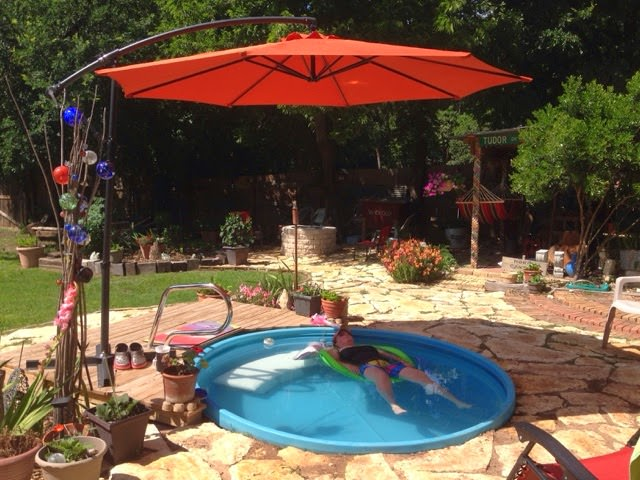 Wanna stay cool diy a stock tank pool the budget decorator for Garten pool intex