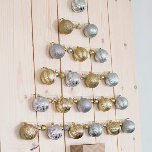 DIY Holiday Projects Using Dollar Store Ornaments!