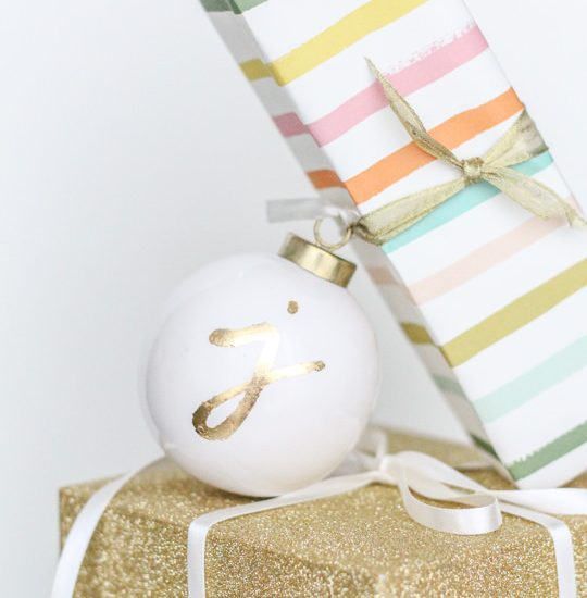 11 Easy DIY Dollar Store Christmas Decorations