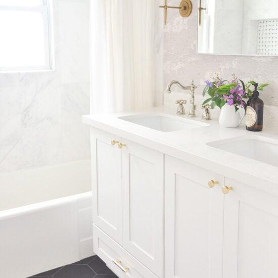 Pretty & Fresh Bathroom Ideas & Updates